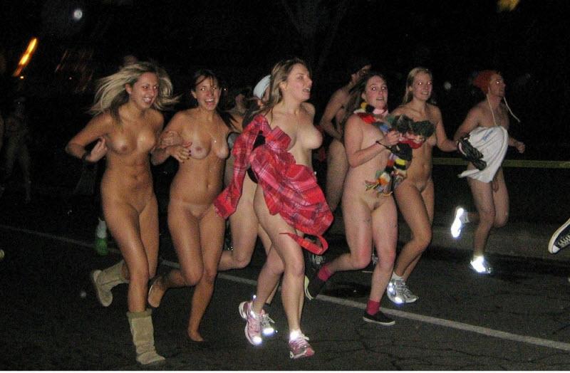 фото голые развлечения