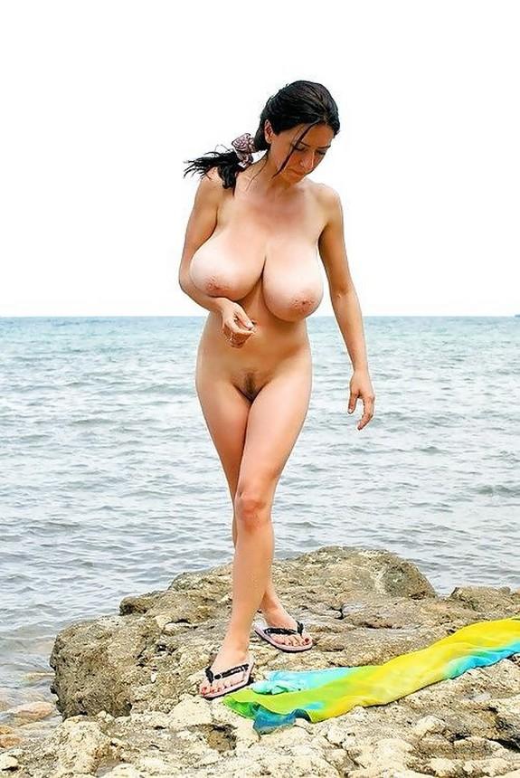 grudastie-nudistki-foto