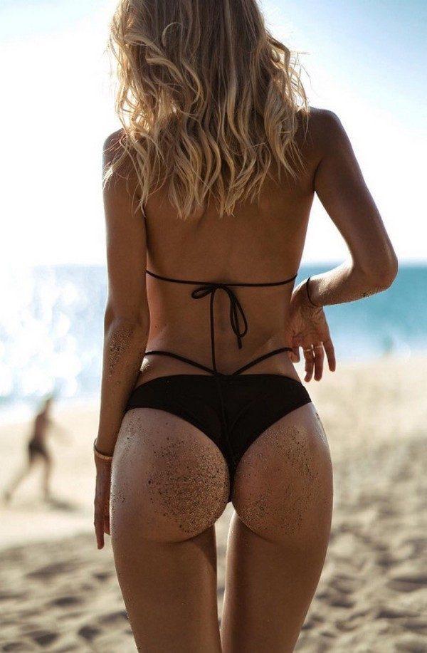 женщины в трусах вид со спины - 4