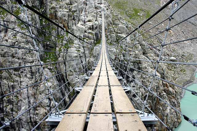 Los puentes más extremos y amenazadores del mundo.