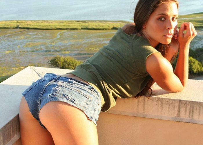 foto-devushek-v-seksualnih-shortah