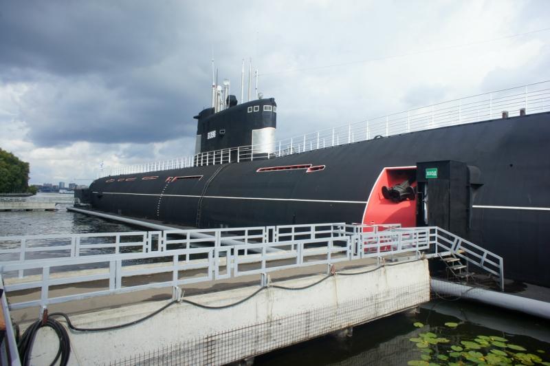 музей подводной лодки на речном
