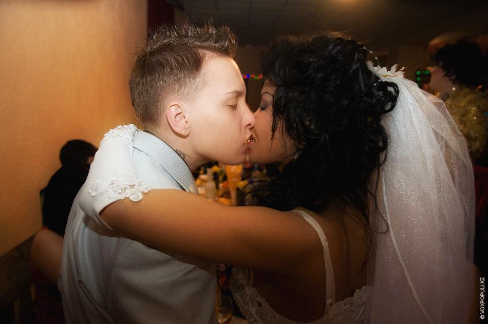Первой лесбийскую любовь
