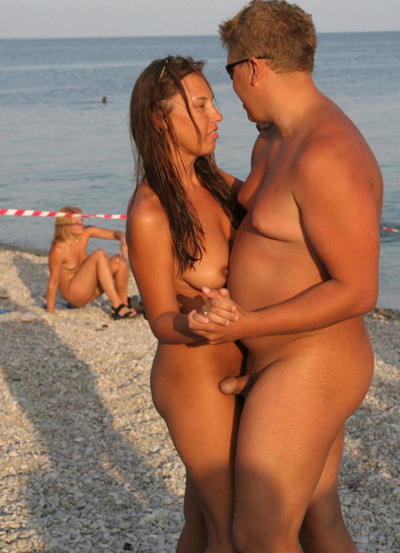 dikiy-plyazh-seks-nudistov