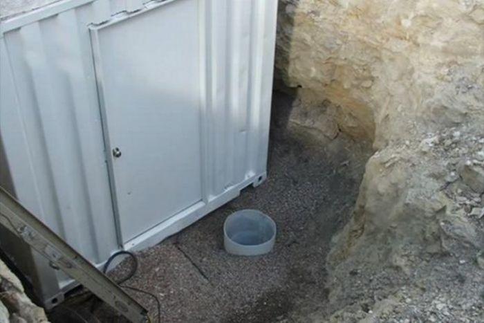 Винный погреб в металлическом контейнере