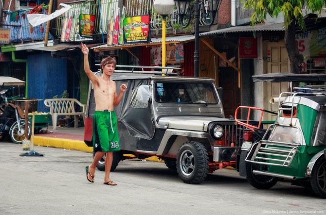 Яркие джипни филиппинцев