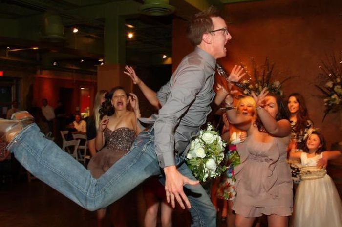 Круто мы попали на свадьбу