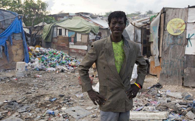 Haiti garbage dumps feed slum dwellers