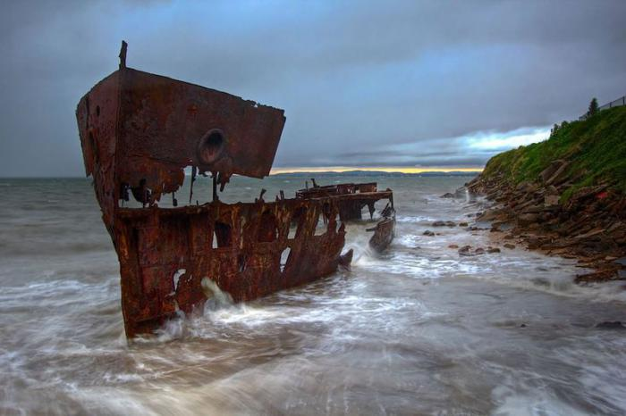 Красивые фотографии умирающих останков кораблей