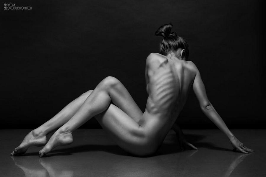 Женщин секс художественные позы обнаженных девушек