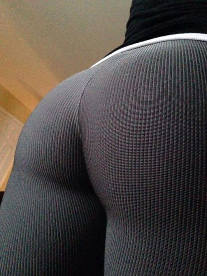 задницы в штанах фото-тя1