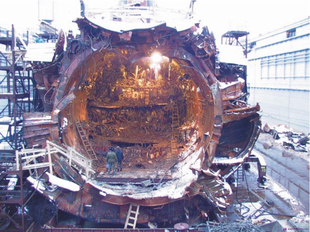 подводная лодка курск фото после поднятия изготавливает мебель