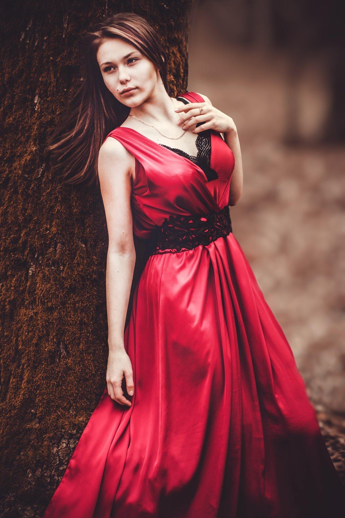 фото девушки в платье например, больше