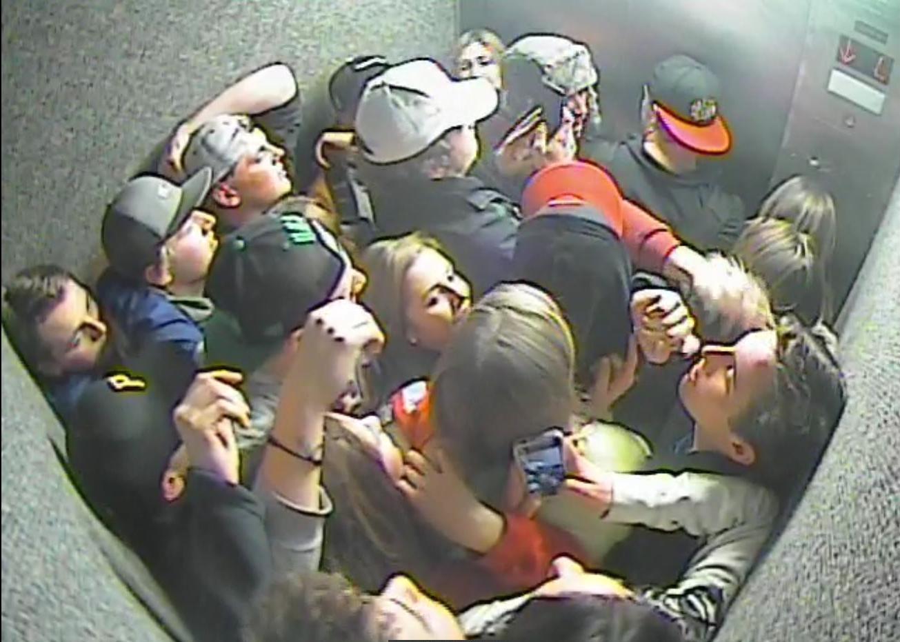Пьяные американские студенты 3 фотография