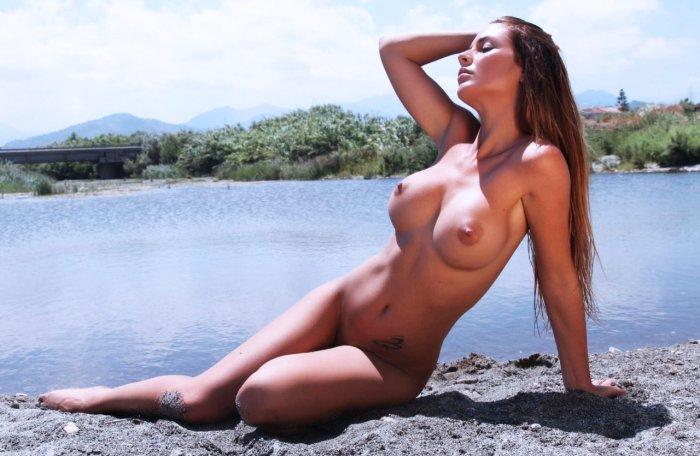 фото подборка голые девчонки она изо