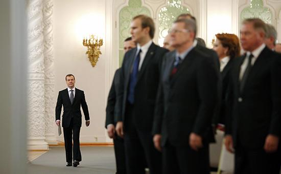 FSB clasifica la respuesta a la solicitud de diputado para la propiedad Medvedev