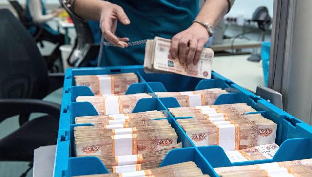 В Госдуме предложили печатать на деньгах портреты государственных деятелей
