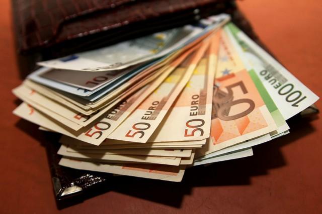 Житель Уфы нашёл кошелёк с 3000 евро и решил отдать его хозяину