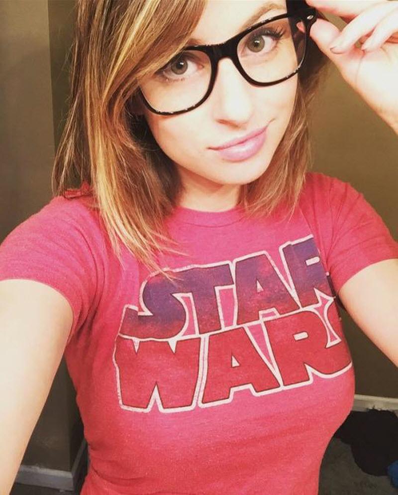 fast-real-teen-geek-girl-gauge-sexy-carmel