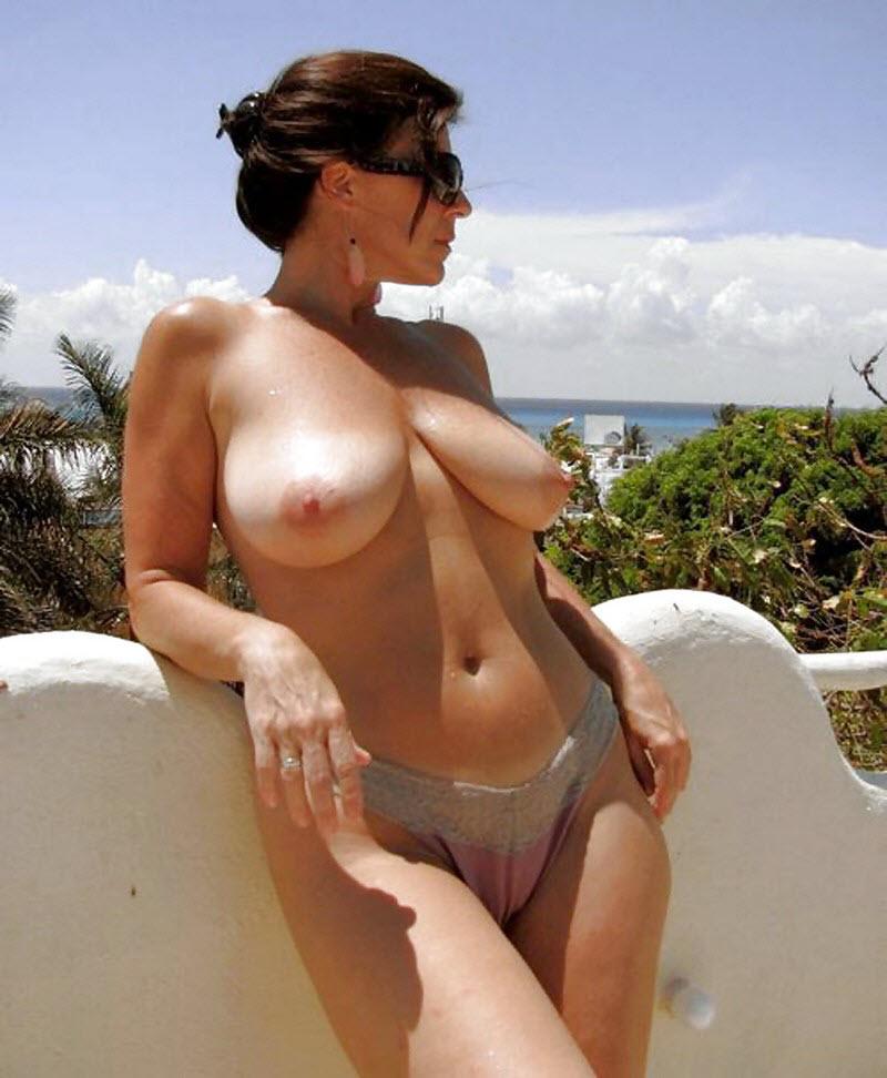 голые загорелые дамы фото коровку или