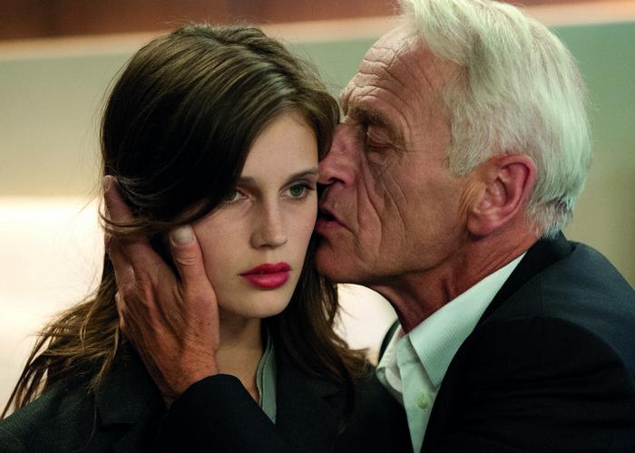 Фильмы о любви взрослой женщины и молодого мужчины