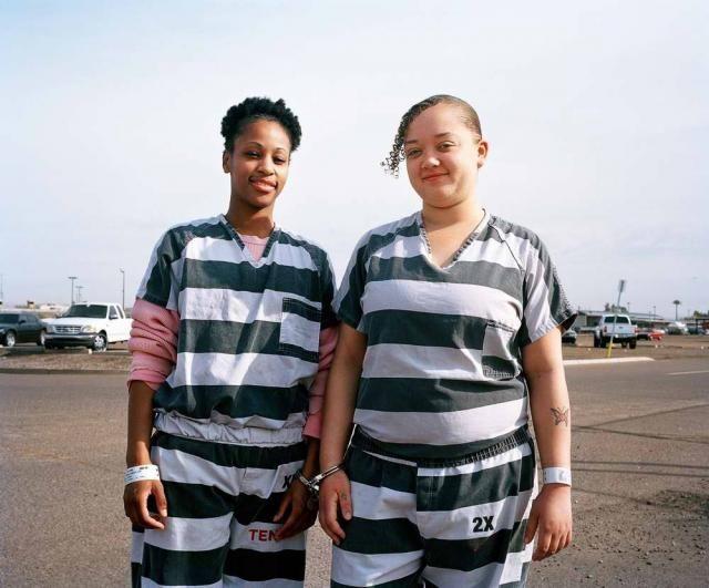 фото девушки в тюрьме фото