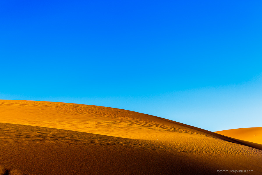 Sands of time or a walk in the Sahara desert