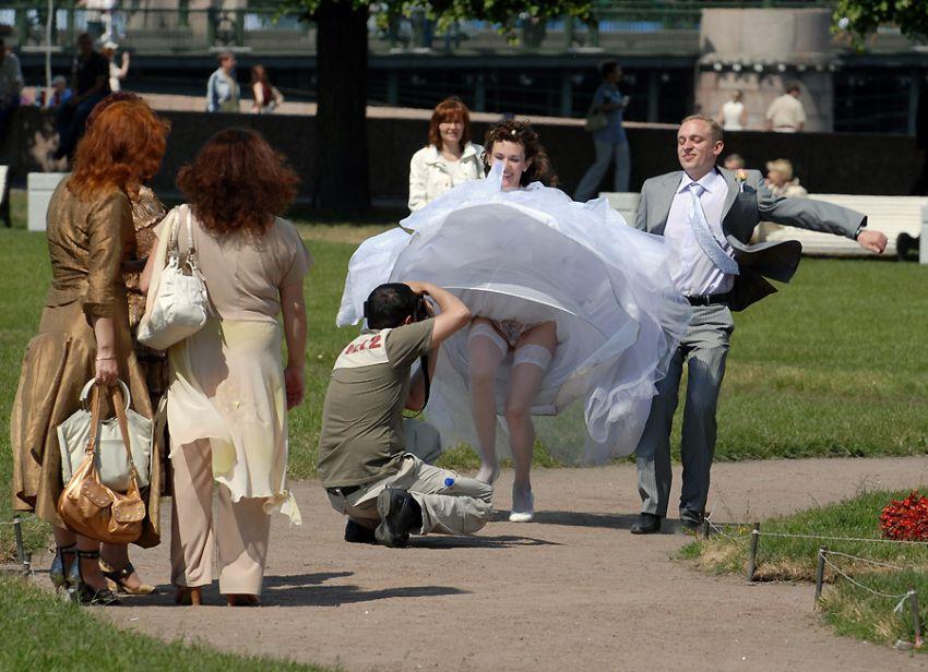 Свадебные приколы под юбкой